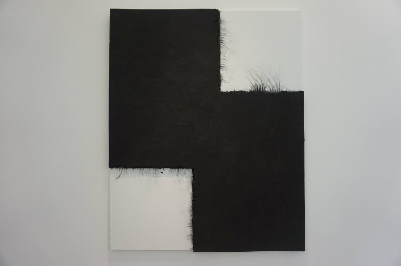 Vue de l'exposition Lee Bae, Black Mapping - Galerie Perrotin (13)
