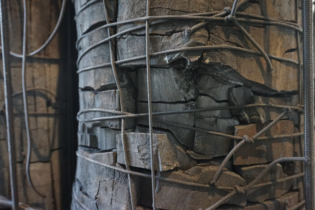 Vue de l'exposition Lee Bae, Black Mapping - Galerie Perrotin (24)