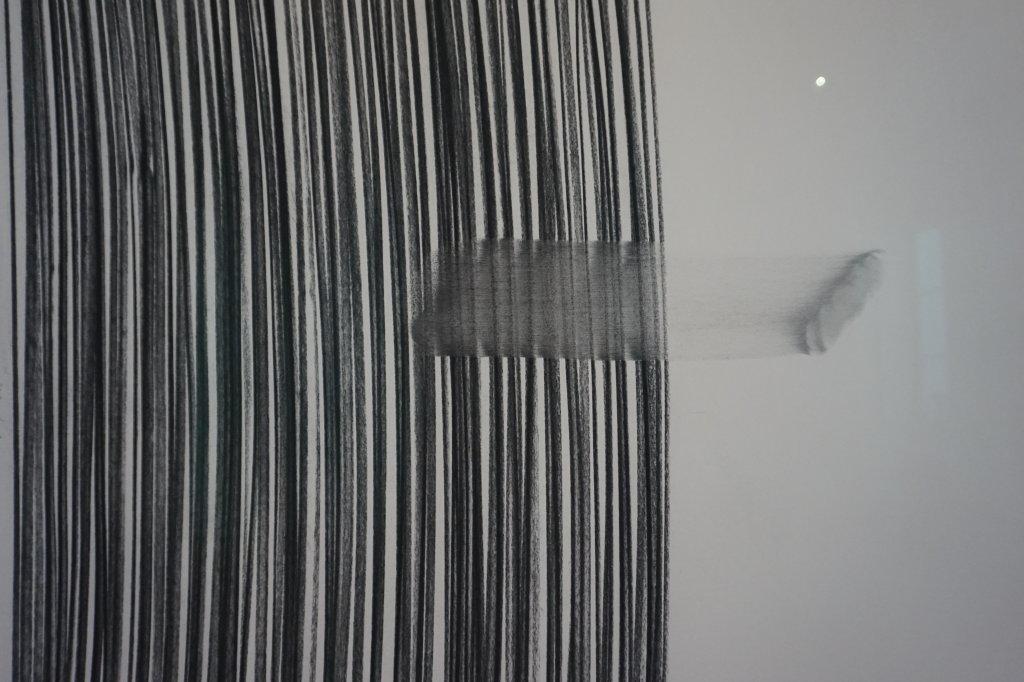 Vue de l'exposition Lee Bae, Black Mapping - Galerie Perrotin (28)