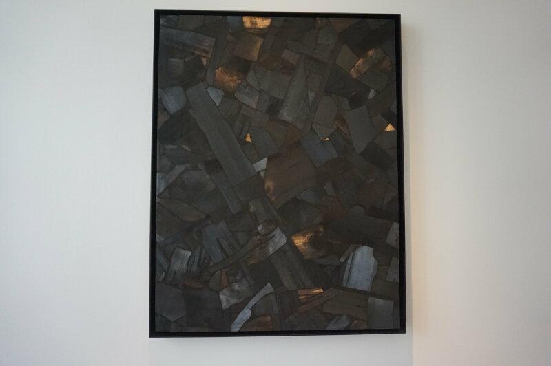 Vue de l'exposition Lee Bae, Black Mapping - Galerie Perrotin (30)