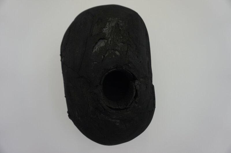 Vue de l'exposition Lee Bae, Black Mapping - Galerie Perrotin (38)