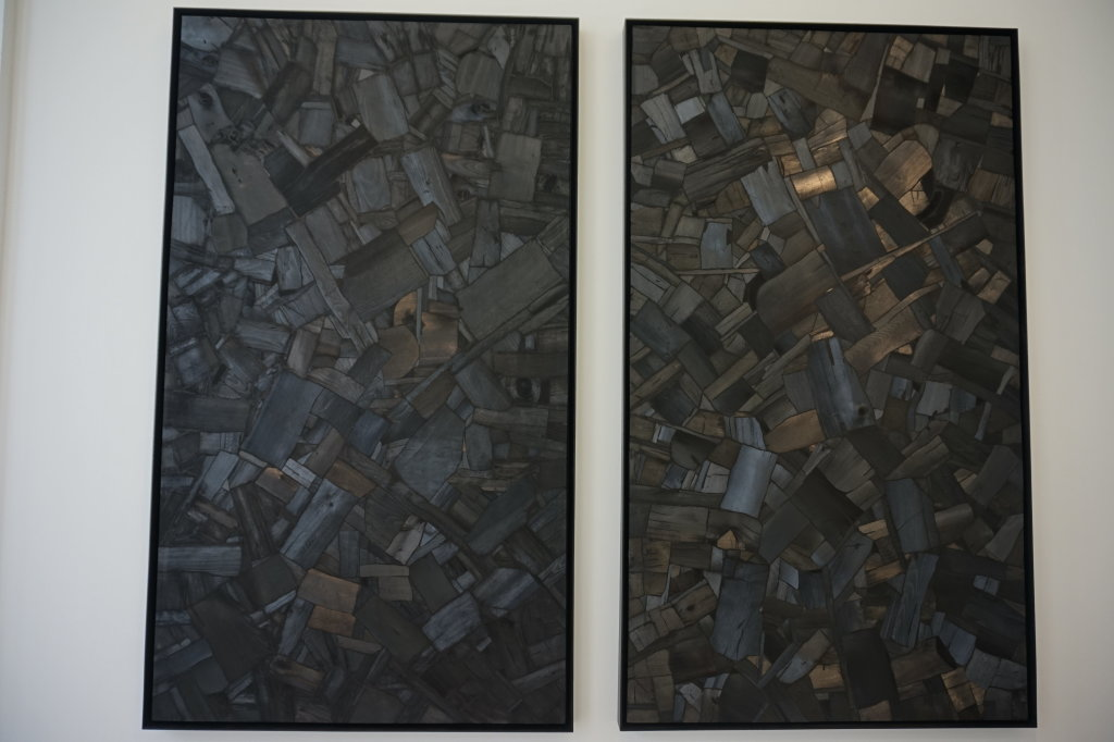 Vue de l'exposition Lee Bae, Black Mapping - Galerie Perrotin (50)