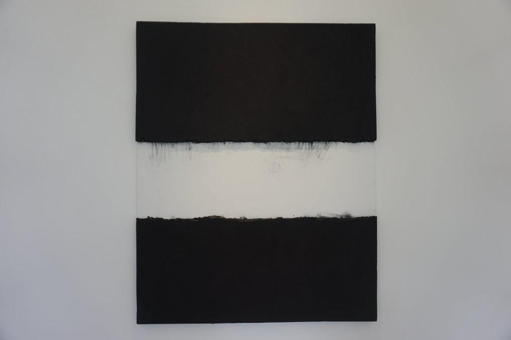 Vue de l'exposition Lee Bae, Black Mapping - Galerie Perrotin (51)