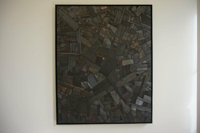 Vue de l'exposition Lee Bae, Black Mapping - Galerie Perrotin (54)