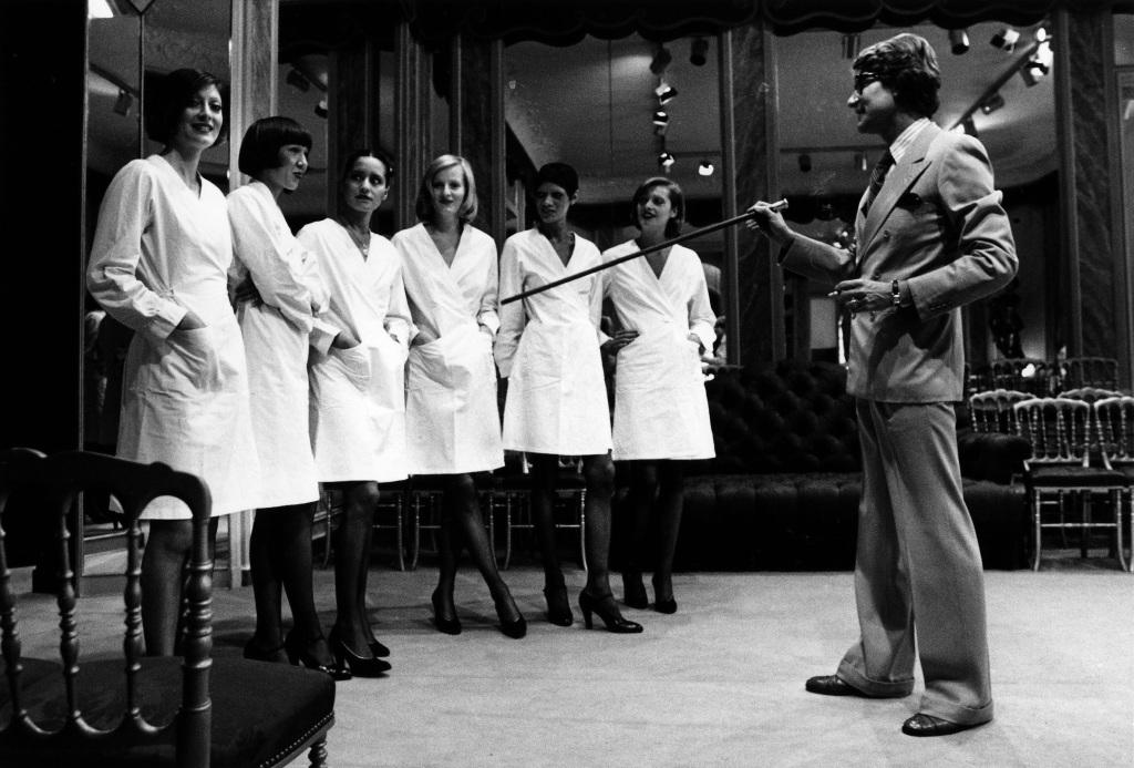Yves Saint LAURENT - Août 1974