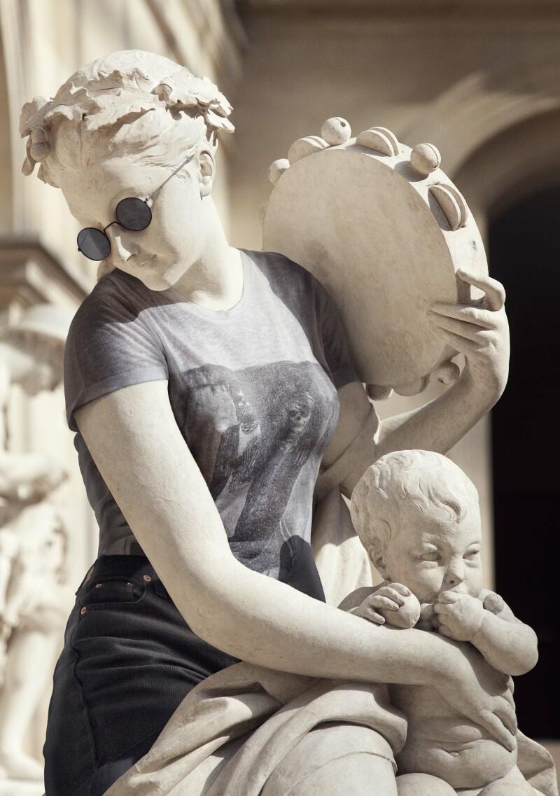 Hipster in Stone par Leo Caillard_3