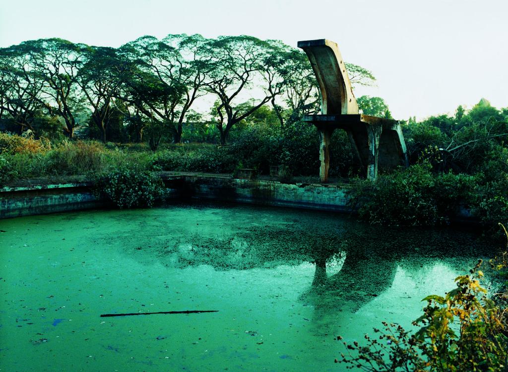 La piscine de la plantation d'hévéas de Chu