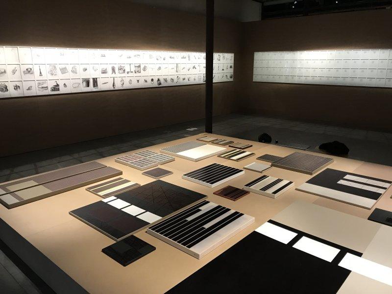 Vue de l'exposition La Collection Bic - Cenquatre Paris (33)