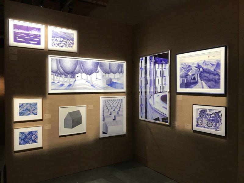 Vue de l'exposition La Collection Bic - Cenquatre Paris (40)