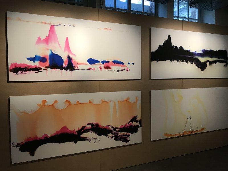 Vue de l'exposition La Collection Bic - Cenquatre Paris (55)