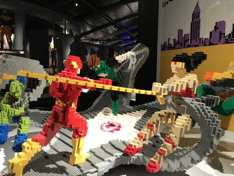 Vue de l'exposition The Art of the Brick, les super-héros DC en Lego - La Villette (13)