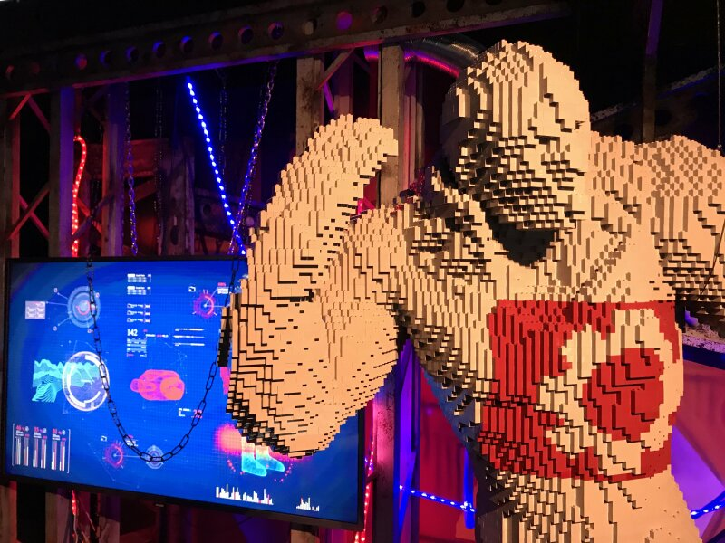 Vue de l'exposition The Art of the Brick, les super-héros DC en Lego - La Villette (16)