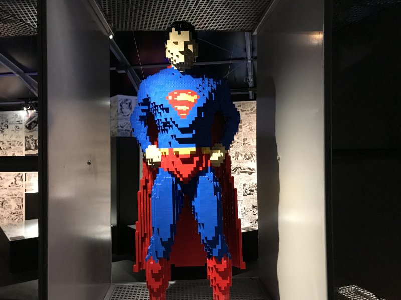 Vue de l'exposition The Art of the Brick, les super-héros DC en Lego - La Villette (66)