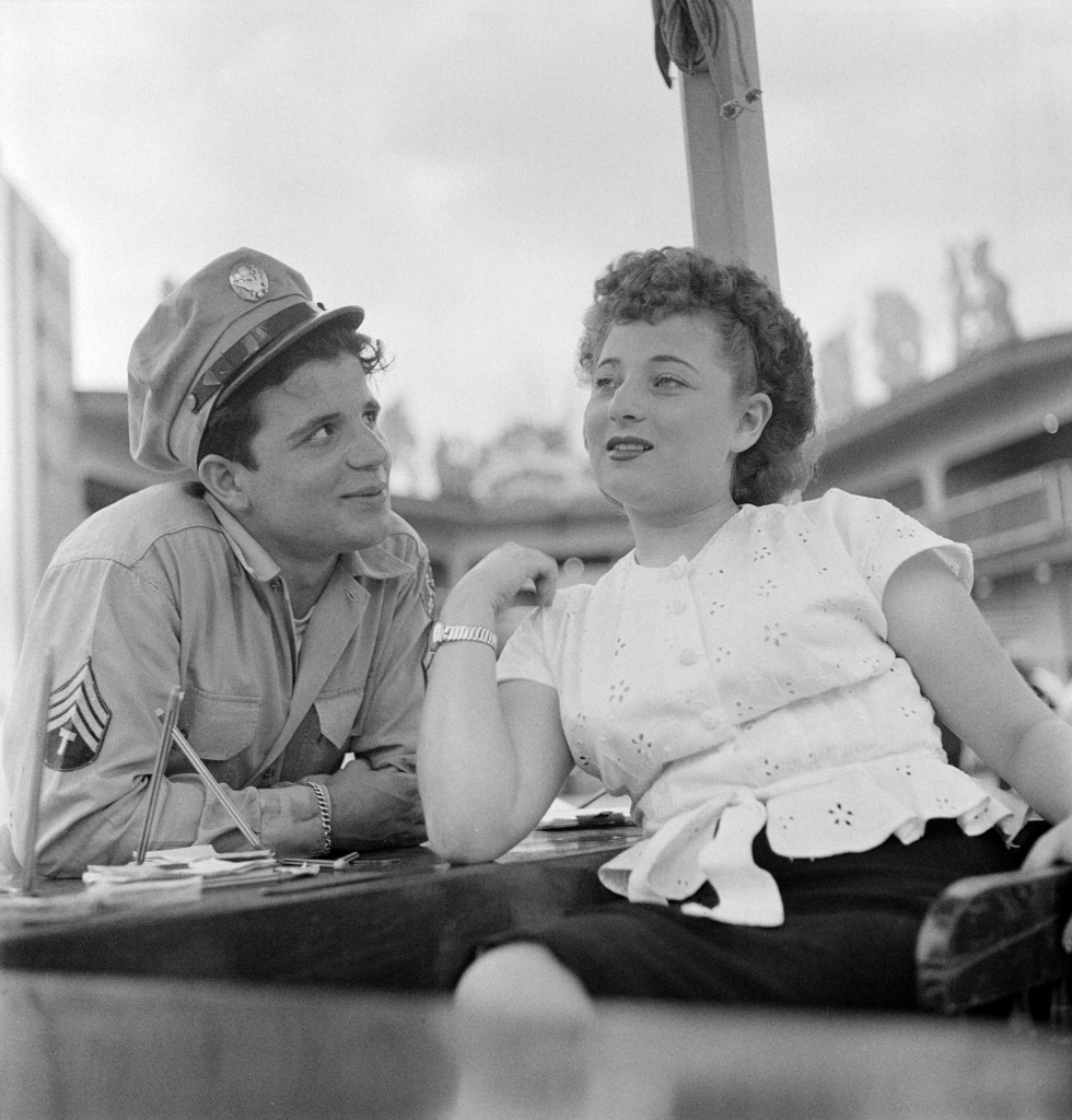 05. Fun at an Amusement Park - LOOK Visits Palisades Park, 1947