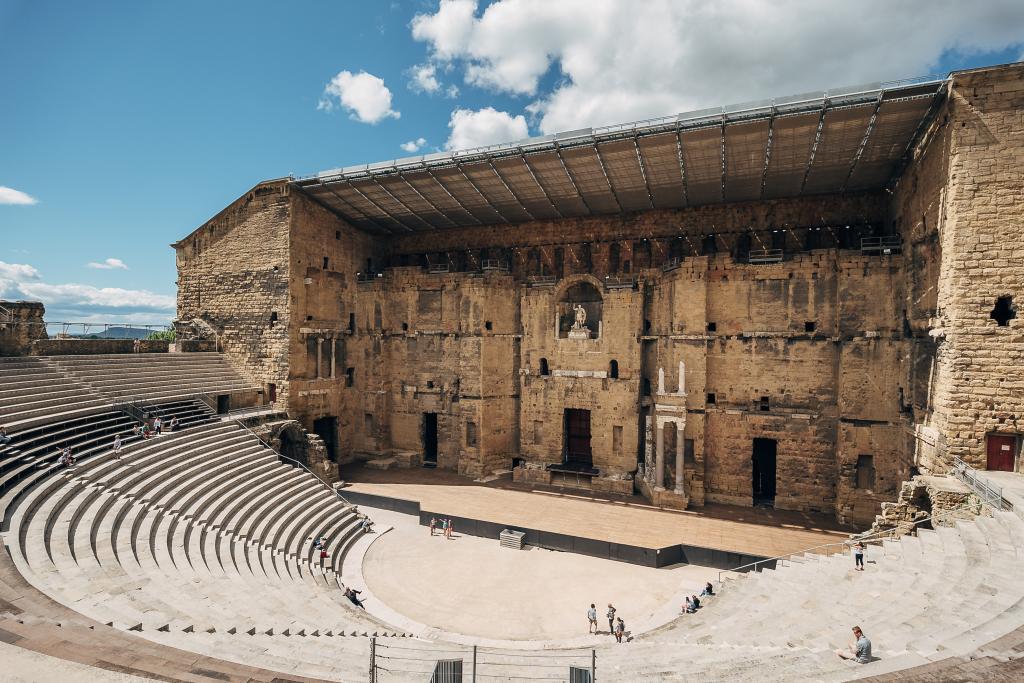 Vue extérieure du Théâtre antique d'Orange