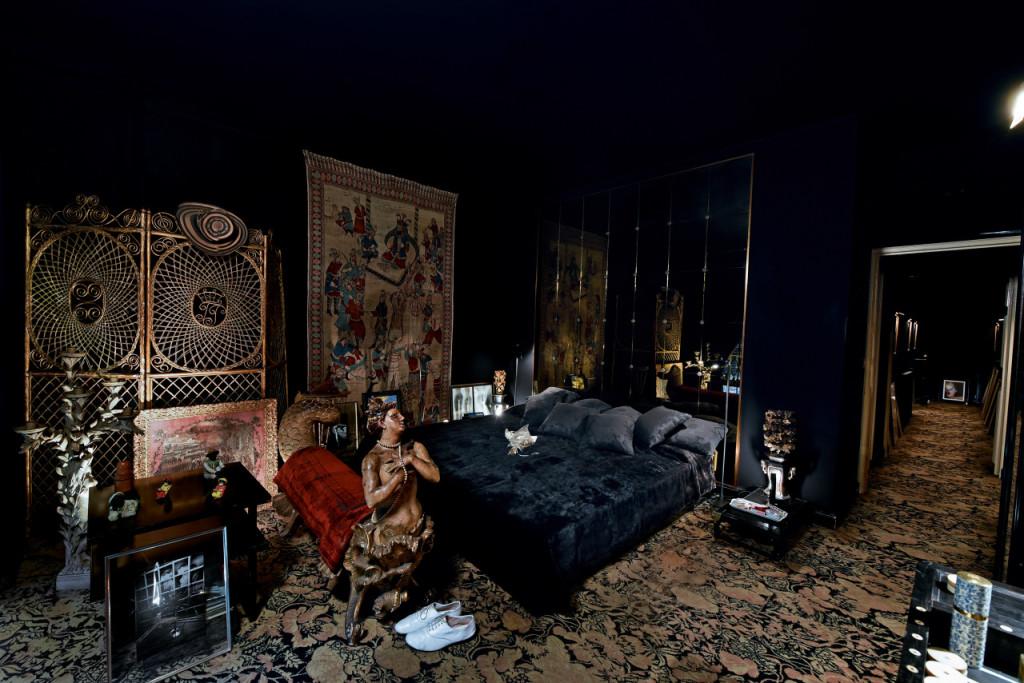 Chambre, Tony Frank