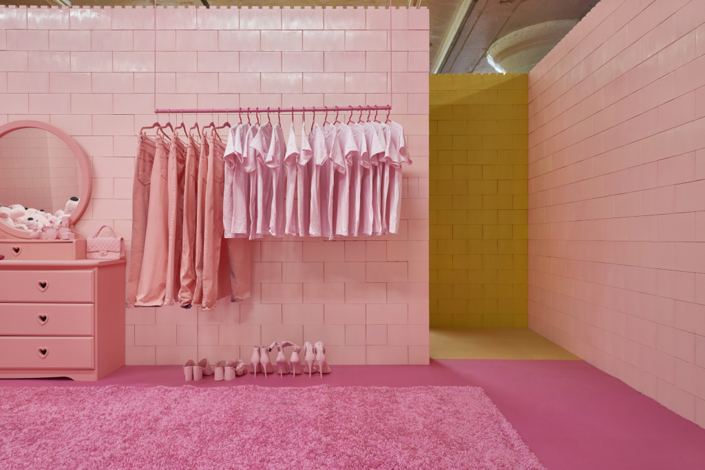 © CJ Hendry - Pink