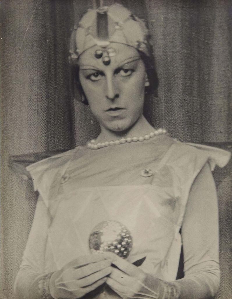 Claude Cahun Autoportrait, 1929 Gelatin-silver print 42 x 34 cm Pinault Collection