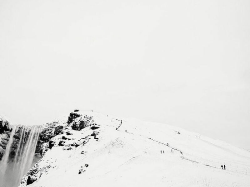 Climbing the Waterfall. (© Sam Burton, gagnant de la catégorie eau, neige, glace)