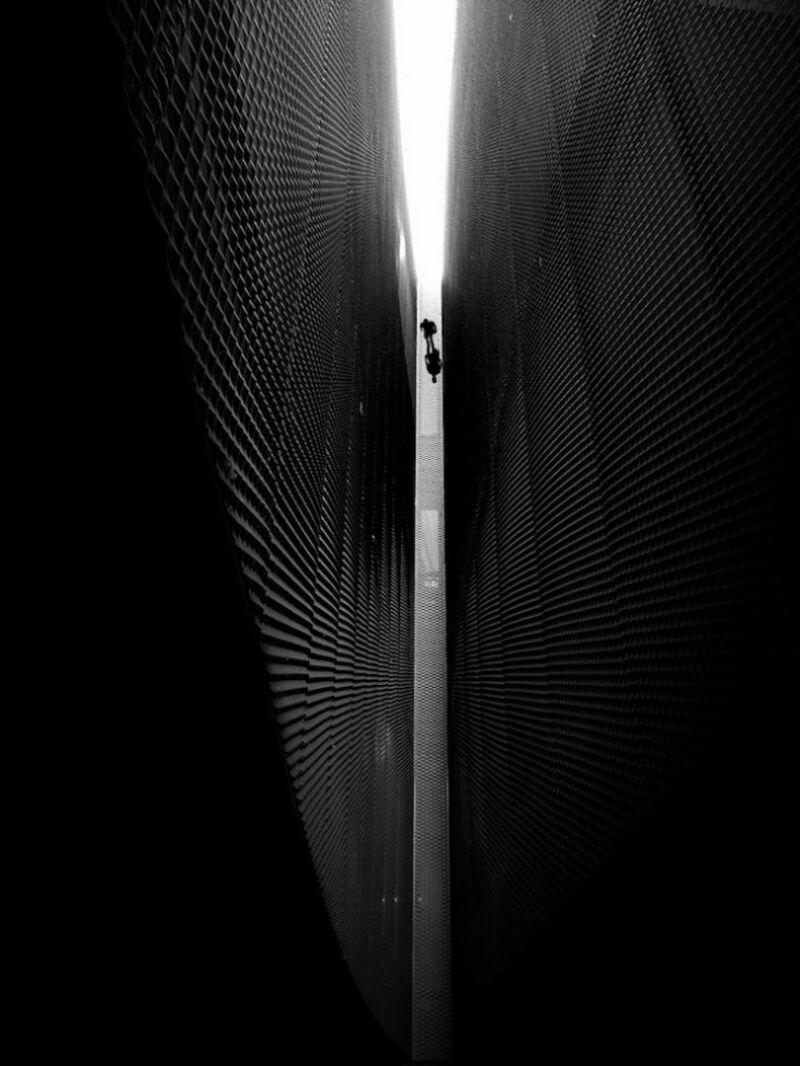 Look Down Angel. (©José-Luis Sáez, gagnant de la catégorie noir et blanc)
