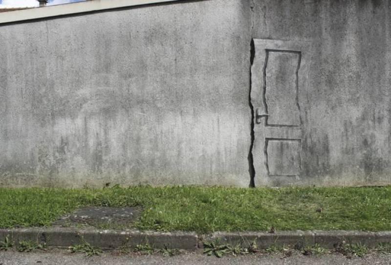 Pejac, Exit to Surrealism, Paris, 2014