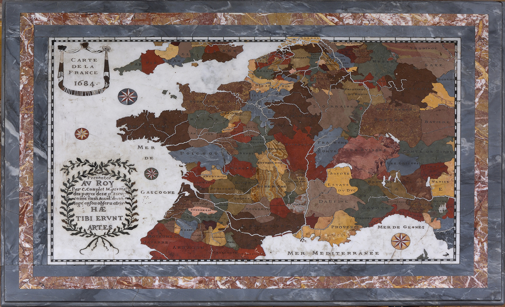 Tabletop with Map of France_300dpi