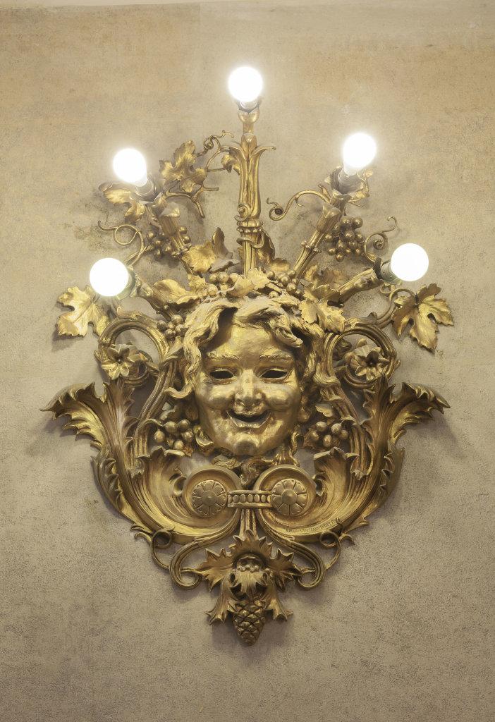 11 Applique dans le hall DR RMN-Grand Palais - Christophe Chavan