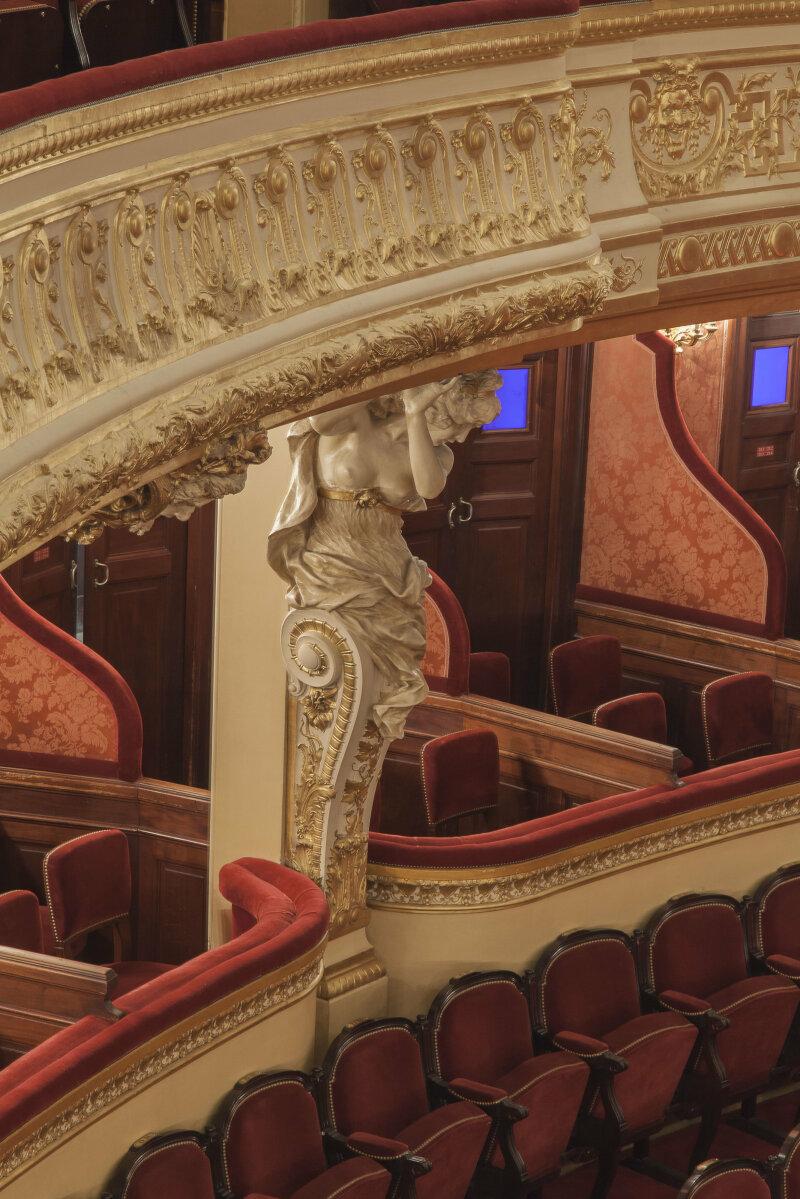 Cariatide dans la salle Favart DR RMN-Grand Palais - Christophe Chavan