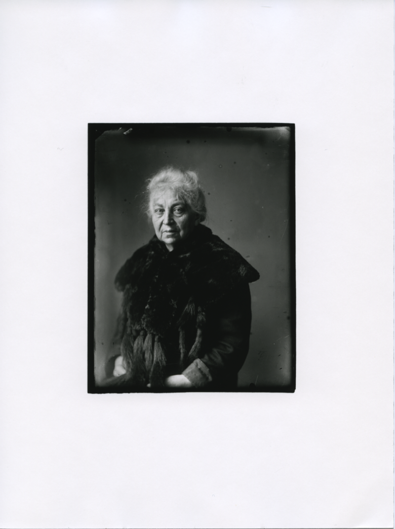 August Sander, Persécutée Mme Franken, 1938 © Die Photographische Sammlung