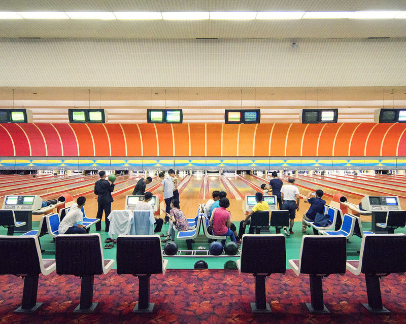 Golden Lane Bowling Alley is a fantastic venue and a rare opportunity for tourists to mix with locals in a friendly and relaxed atmosphere. The decor is superb as any bowling arena should be, with subtle grandient orange backdrops and remarkable flowery carpet. True vintage love here.