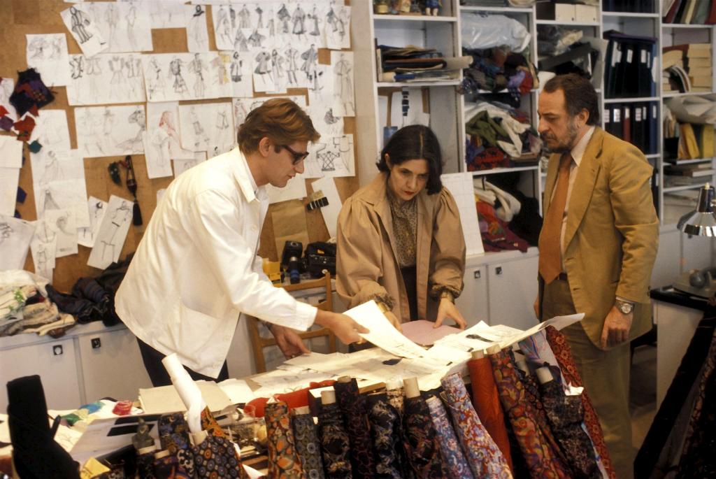 Yves Saint Laurent, Anne-Marie Muñoz et Pierre Bergé, 1977