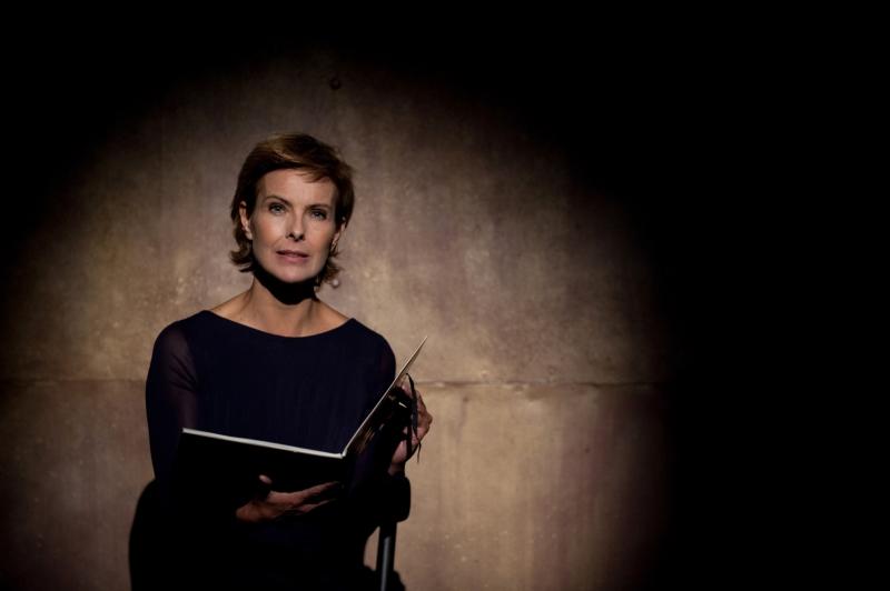 106903 Julien de Rosa / Starface 2010-09-30  Paris France  Filage avec Carole Bouquet au Théâtre de Atelier pour le spectacle