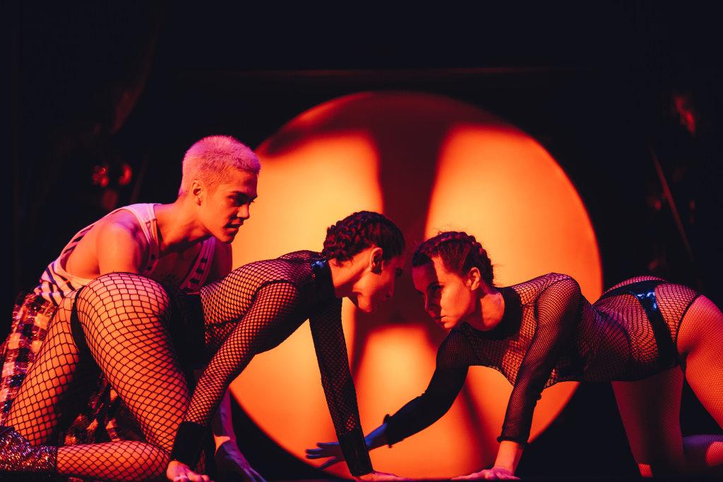 Fashion Freak Show, Jean-Paul Gaultier aux Folies Bergère