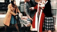 Dans-Le-Pere-Noel-est-une-ordure-Anemone-est-Therese-au-physique-pas-facile_width1024