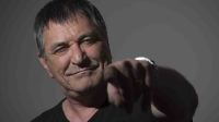 French humorist Jean-Marie Bigard poses at his home, on May 6, 2014 in Paris.    AFP PHOTO /JOEL SAGET / AFP PHOTO / JOEL SAGET