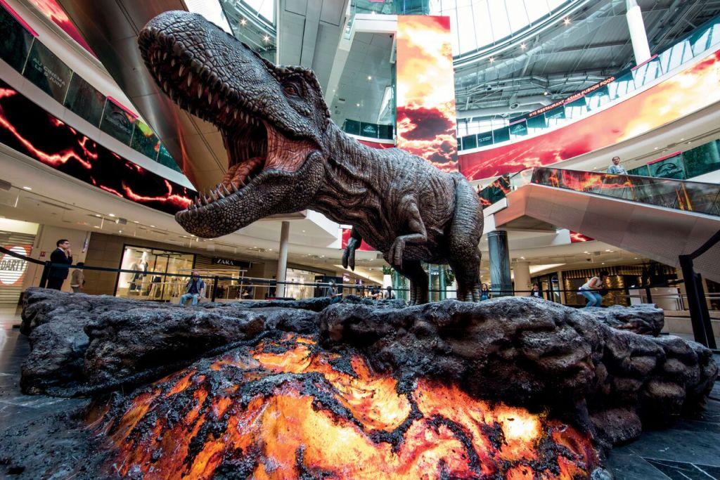 Jurassic World - Vue du T-Rex à la Défense