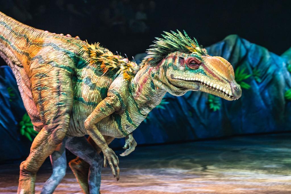 La marche des dinosaures - AccorHotel Arena - Lilliensternus 2