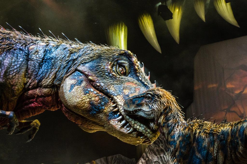 La marche des dinosaures - AccorHotel Arena - New Mama and BabyT-Rex