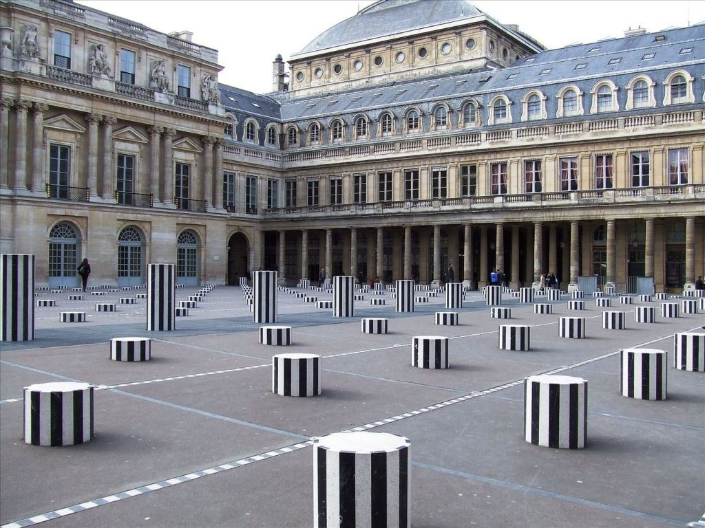Cour du palais royal - Les colonnes de Buren