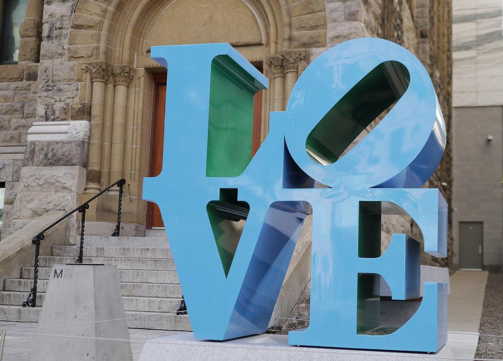 Robert Indiana, LOVE, Montréal