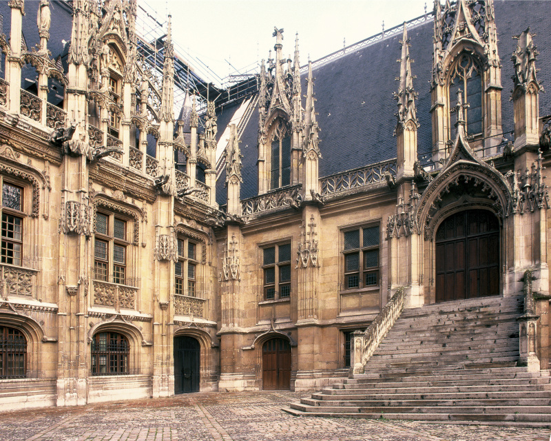 Palais de justice de Rouen angle Nord-Est Maison Sublime