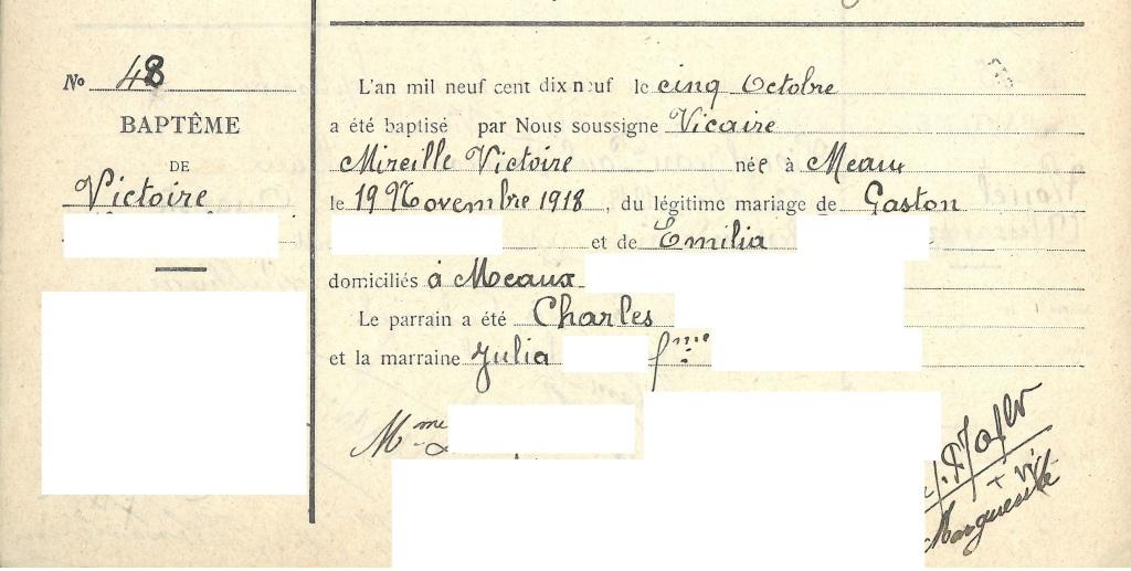 Acte de baptême de Victoire D., née à Meaux le 19 novembre 1918, enregistré sur le registre de la cathédrale Saint-Étienne de Meaux.