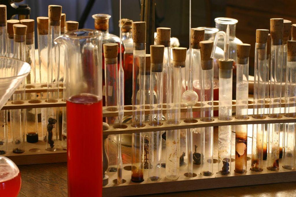 Vue de l'exposition Pasteur à Arbois - Eprouvette