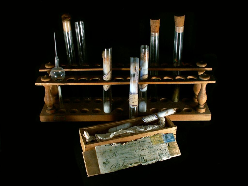 Vue de l'exposition Pasteur à Arbois - Tubes à essais