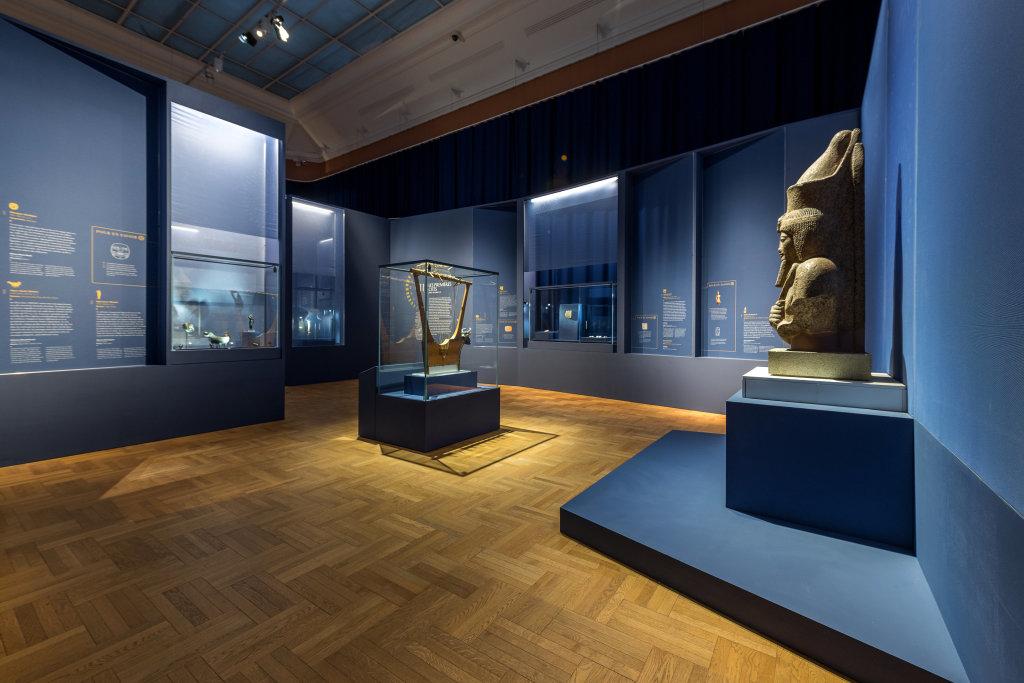 Vue de l'exposition Une histoire du monde en 100 objets du British Muséum - Musée des Beaux-Arts de Valenciennes © Photos - Service communication ville de Valenciennes (13)