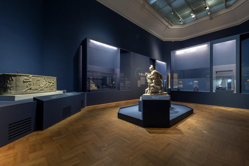 Vue de l'exposition Une histoire du monde en 100 objets du British Muséum - Musée des Beaux-Arts de Valenciennes © Photos - Service communication ville de Valenciennes (26)