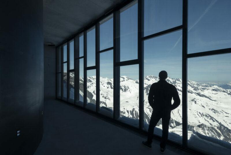 007 Elements Interior, valley passage. Photo Kristopher Grunert