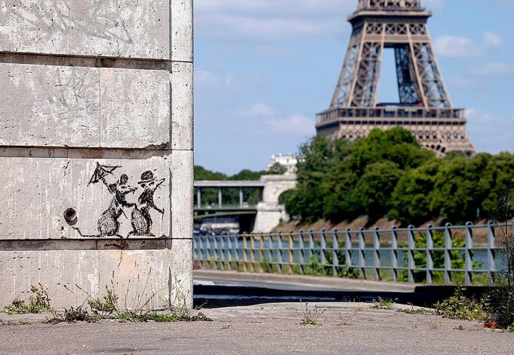 © Banksy - Rats couple