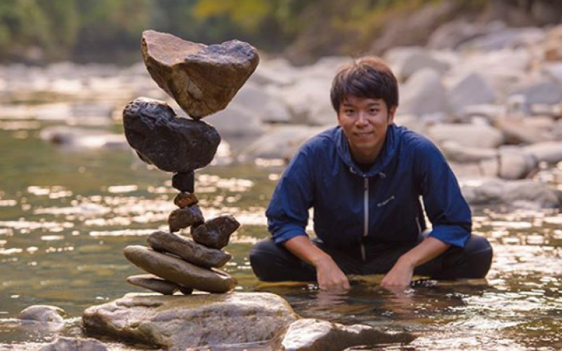 Cailloux en equilibre - Kobei