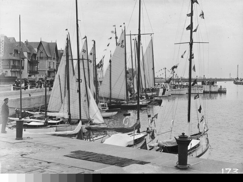 Les-Frères-Séeberger_-Deauville_-1931-Coll